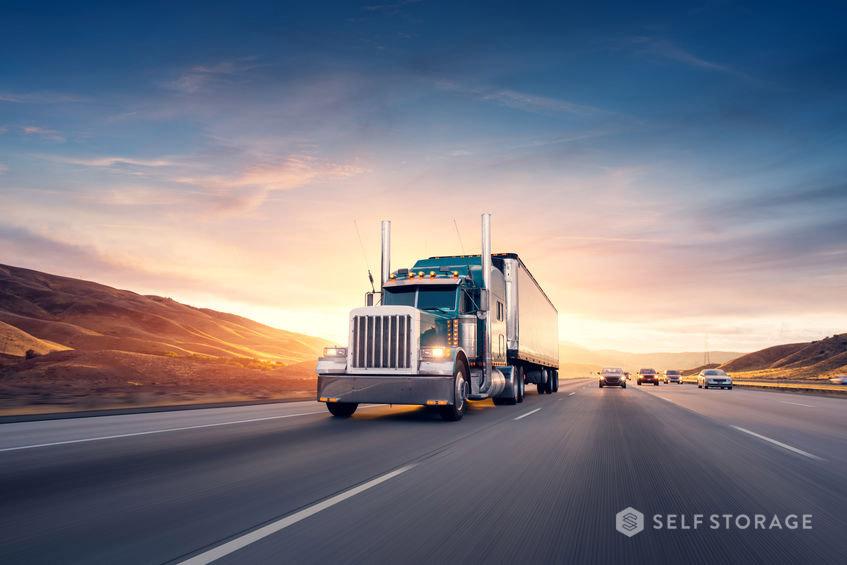 SS Self Storage Entenda a diferença entre carga fracionada e completa