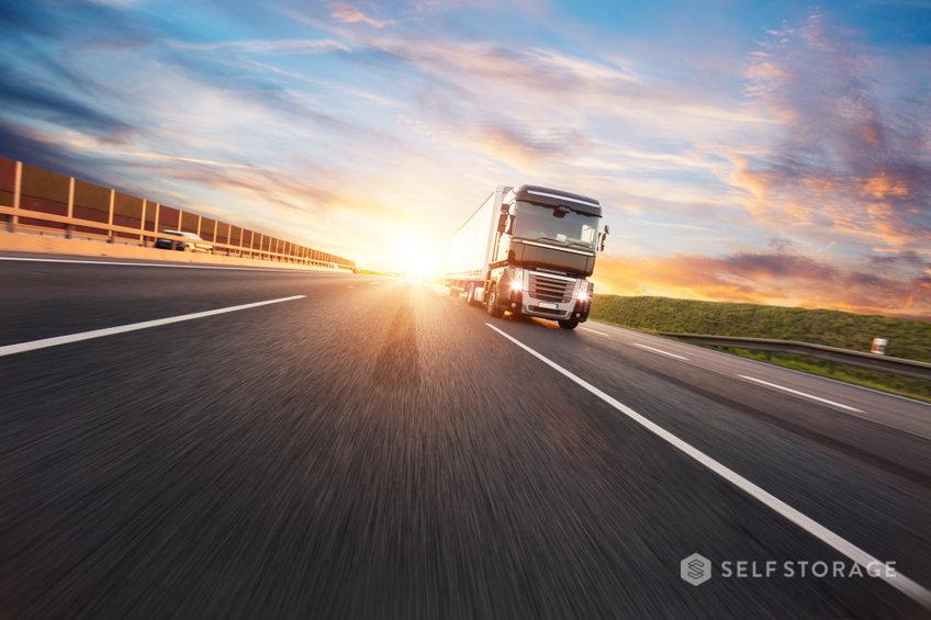 SS-Self-Storage-Saiba-quais-sao-os-tipos-de-seguros-necessarios-para-transporte-de-mercadorias